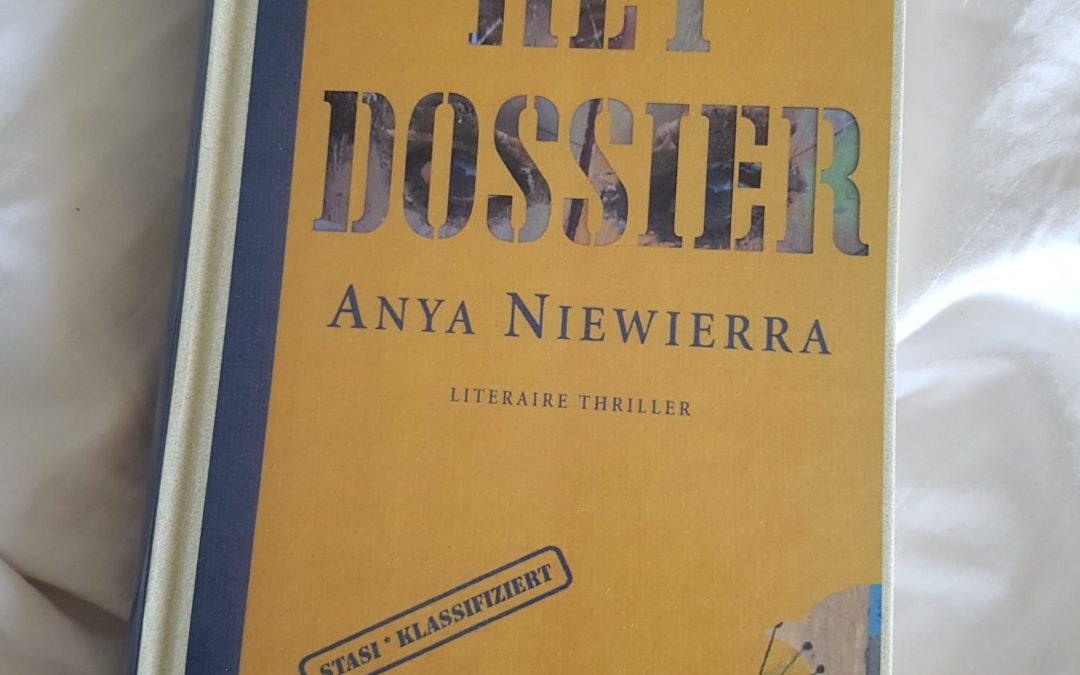 Summer Books: Het dossier – Anya Niewierra