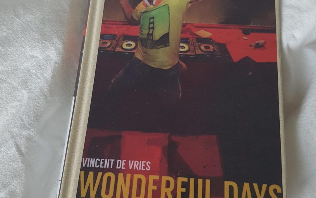 Autumn Books: Wonderful Days – Mental Theo