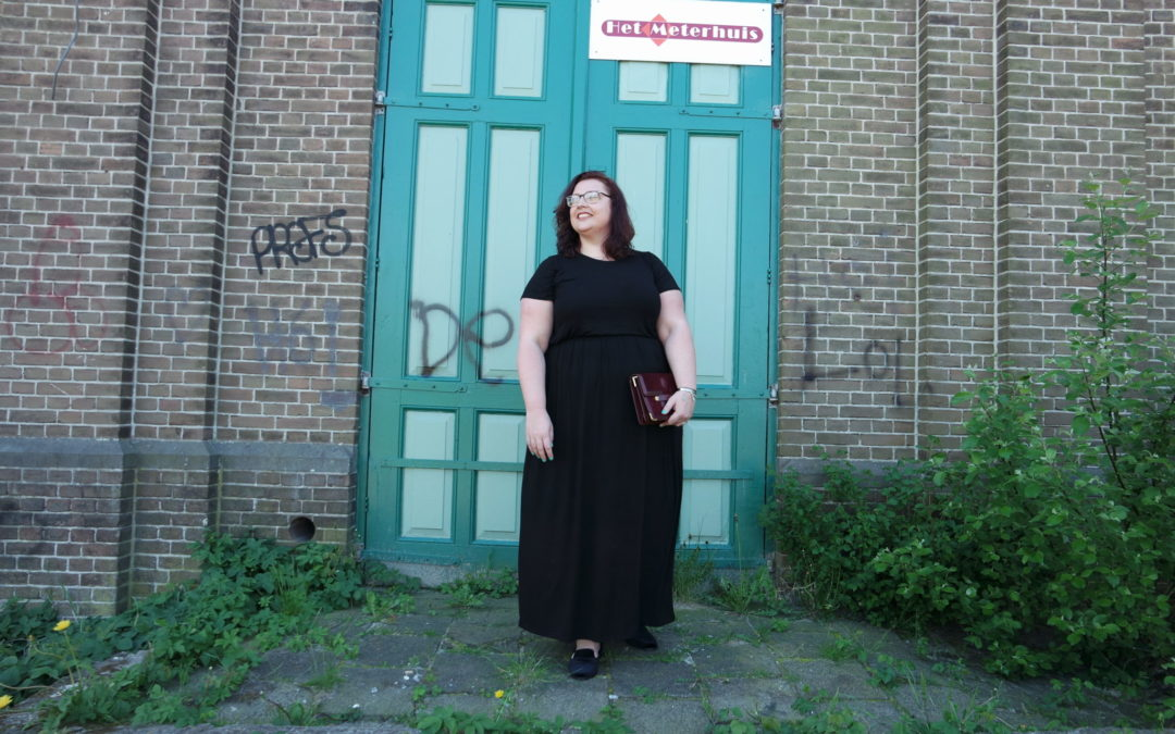 Plus size OOTD: black maxi dress Yours Clothing