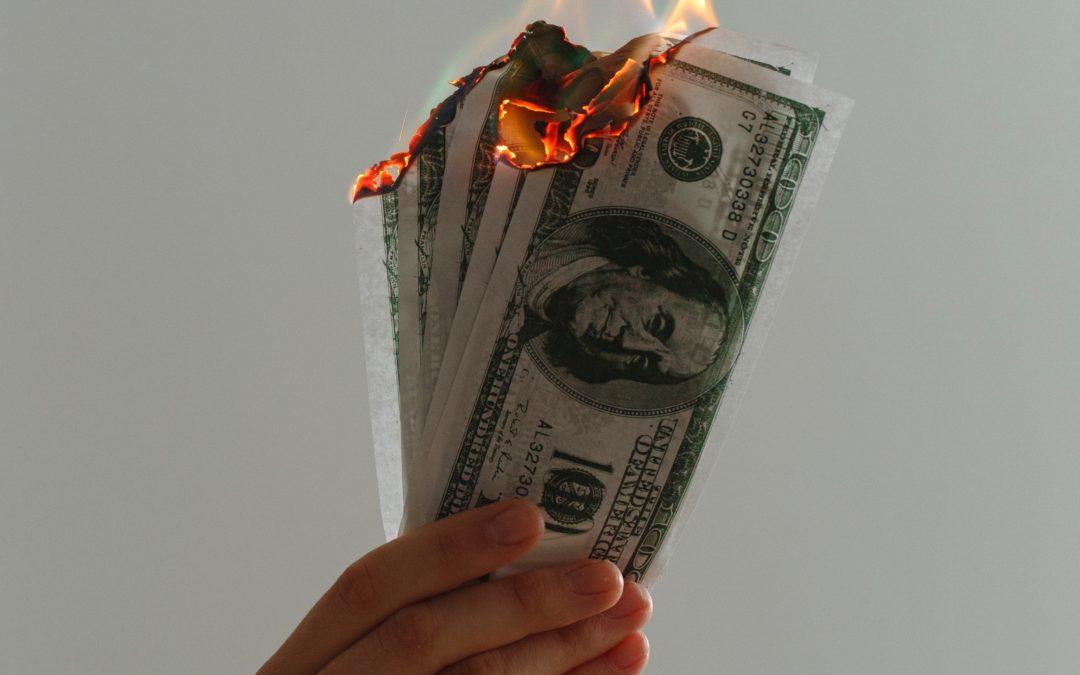 Money || Het kan iedereen overkomen
